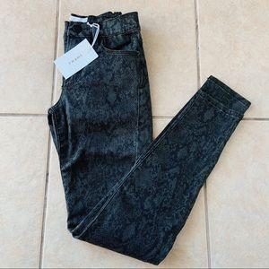 NWT Frame Le Skinny de Jeanne Python Print Jeans